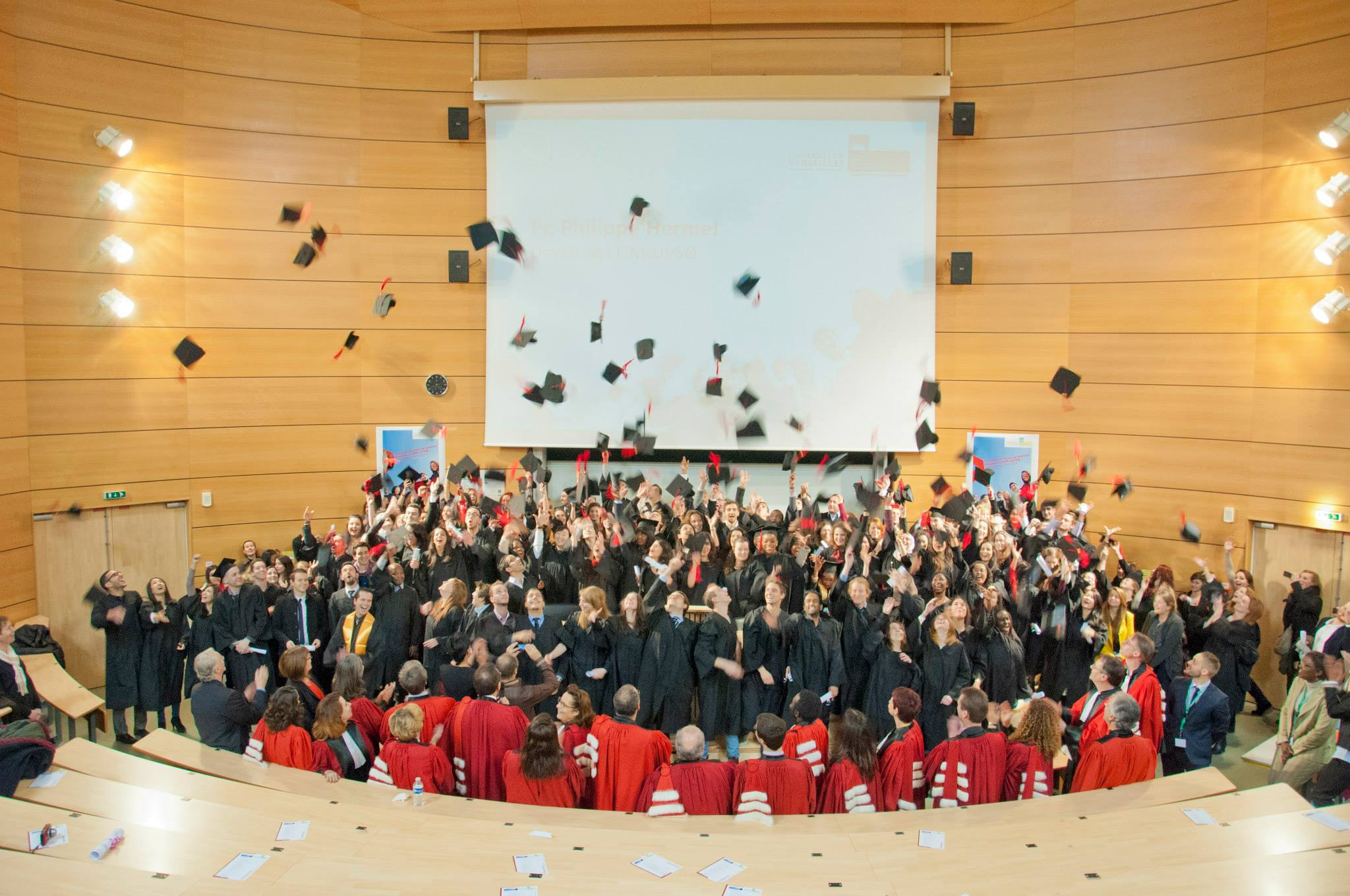 The ISM's IAE of the Versailles University chooses AlumnForce to launch its only community network!