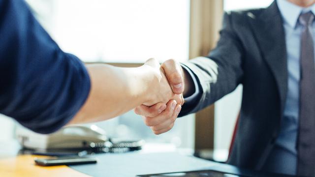 Ouvrir votre réseau alumni à vos partenaires entreprises : les avantages du Module Recruteurs